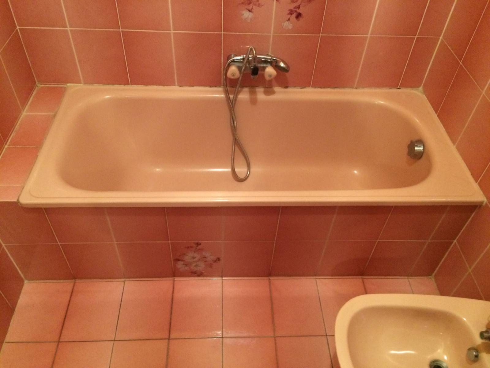 remplacement d 39 une baignoire par une douche s curis e. Black Bedroom Furniture Sets. Home Design Ideas