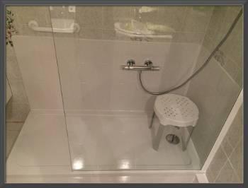 sp cialiste remplacement baignoire par douche senior s curis e saint l et dans tout le. Black Bedroom Furniture Sets. Home Design Ideas