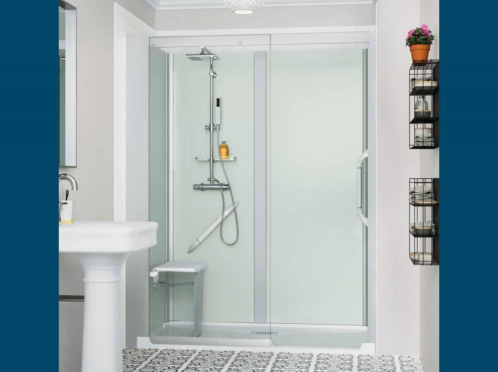 remplacez votre baignoire par une douche s curis e kinemagic de kinedo saint rapha l var 83. Black Bedroom Furniture Sets. Home Design Ideas