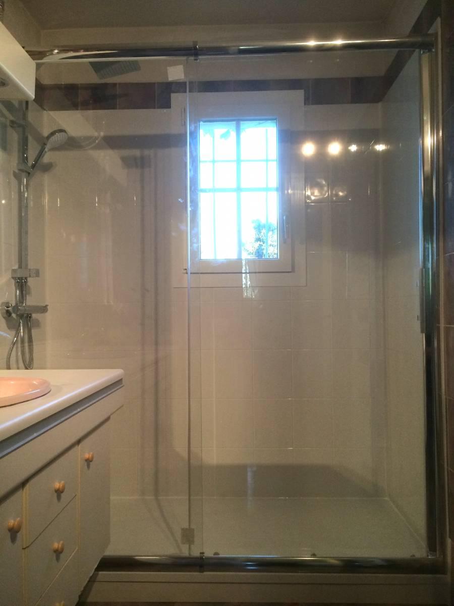 sp cialiste remplacement baignoire par douche senior s curis e saint brieuc et dans tout le. Black Bedroom Furniture Sets. Home Design Ideas
