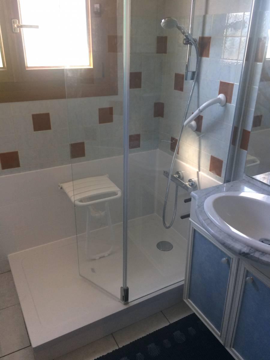 sp cialiste remplacement baignoire par douche senior s curis e saint maximin la sainte baume. Black Bedroom Furniture Sets. Home Design Ideas