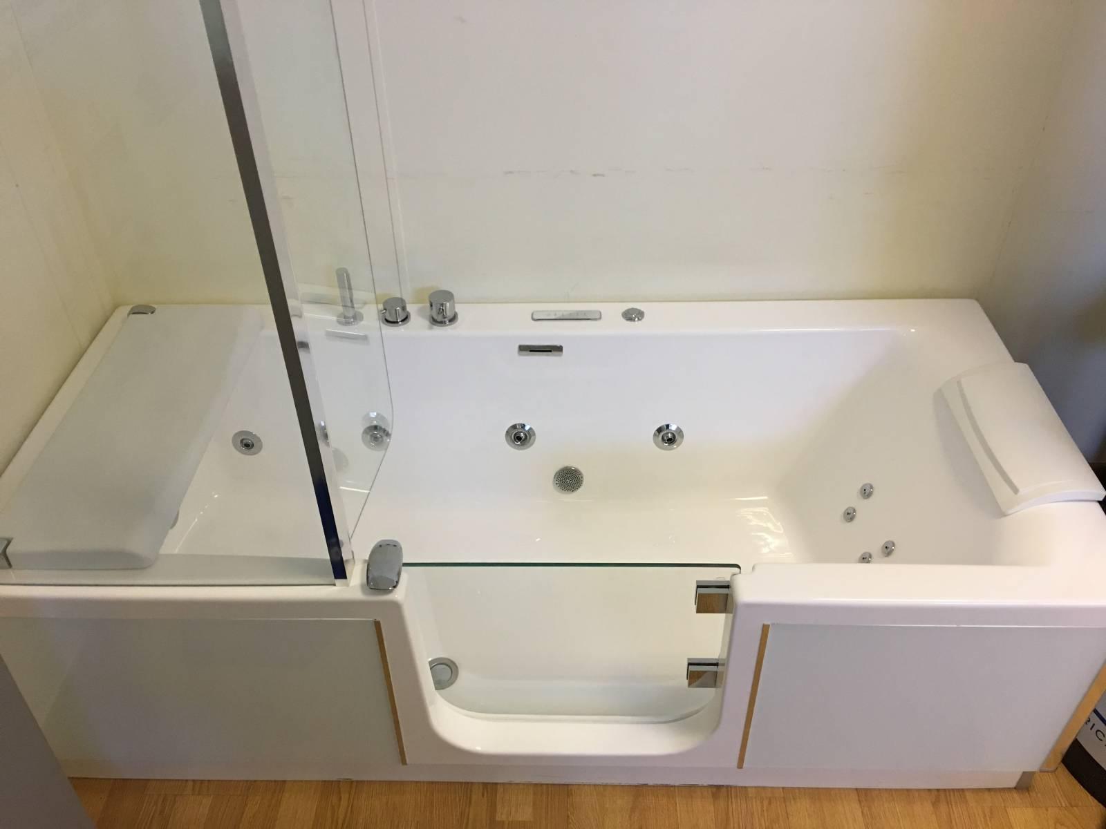 Baignoire porte kinedo bandol douche modul 39 eau for Baignoire douche porte