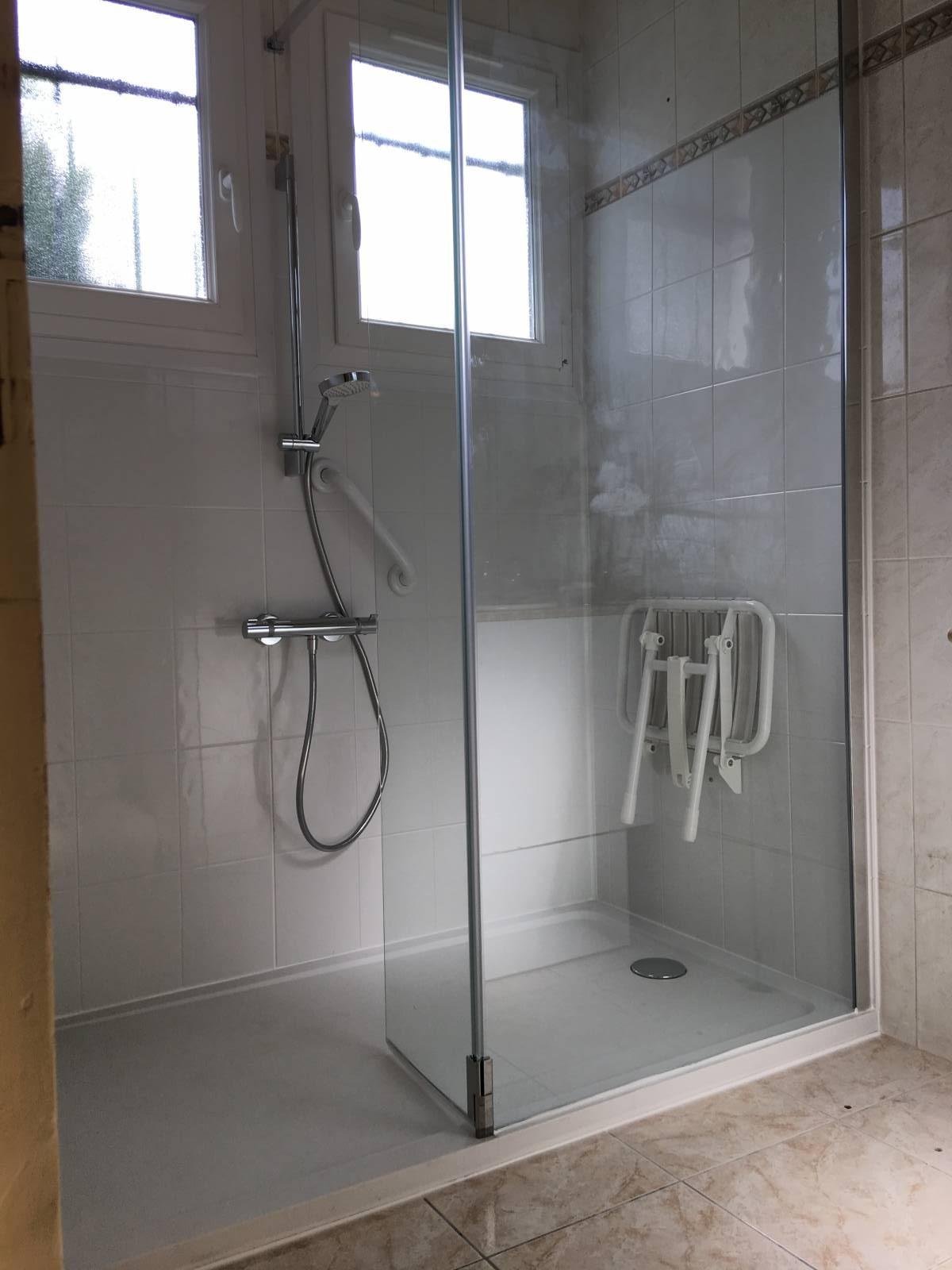 sp cialiste remplacement baignoire par douche senior s curis e rognac et dans tout le. Black Bedroom Furniture Sets. Home Design Ideas