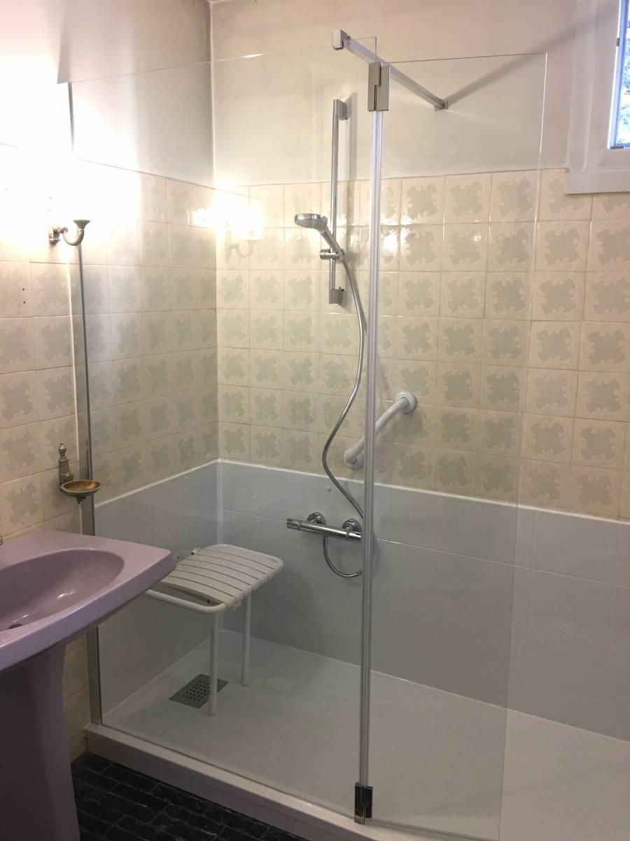 installation douche s nior la ciotat bouches du rh ne douche modul 39 eau. Black Bedroom Furniture Sets. Home Design Ideas