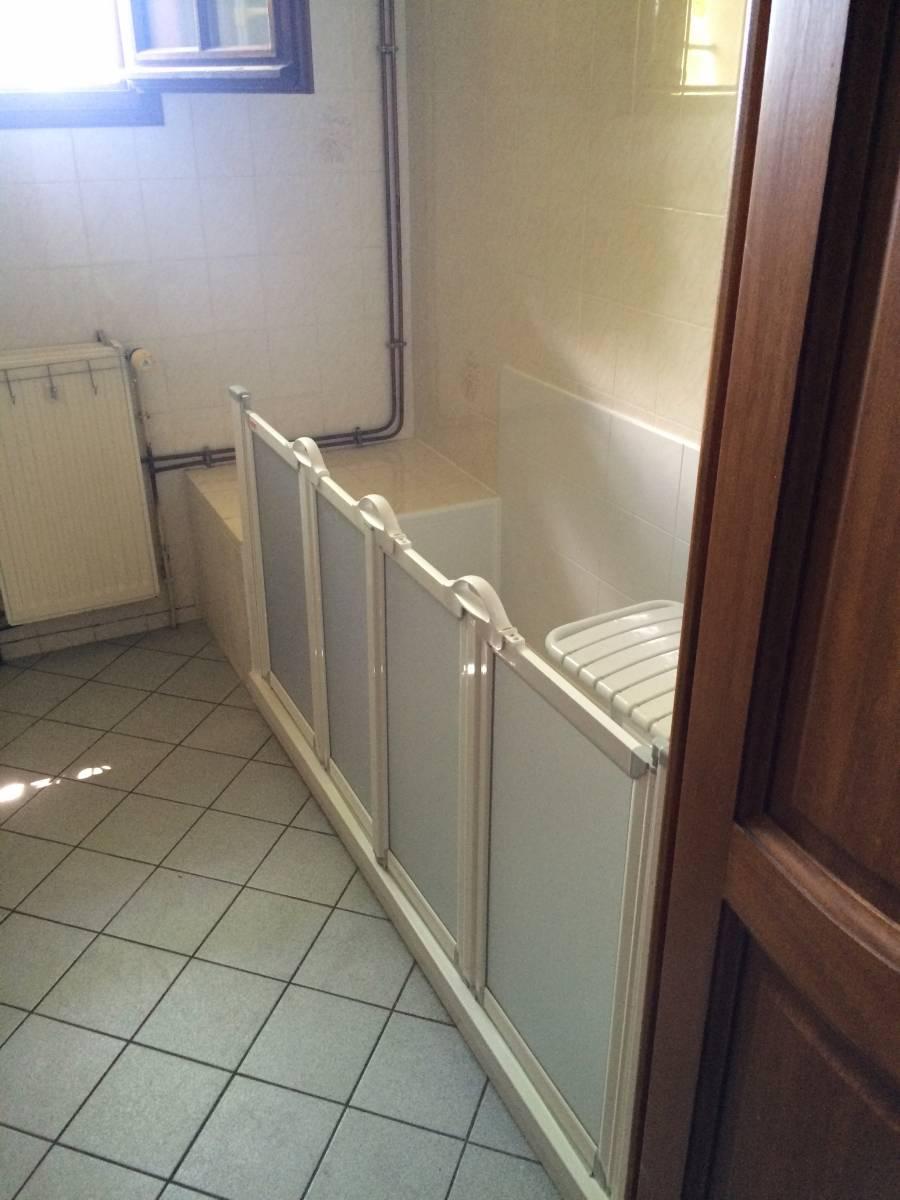 douche s curis e accessibilit plus pour s niors et personnes mobilit r duite douche modul 39 eau. Black Bedroom Furniture Sets. Home Design Ideas