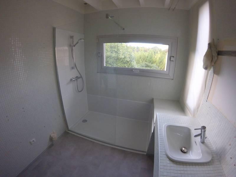 Remplacement d 39 une baignoire par une douche s curis e pour - Remplacer une baignoire par une douche ...